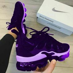 """Pin by jen on Nike shoes in 2019 Questions For Couple Shoe Game Spell """"Nike"""" in a row to win How To Wear Converse Sneakers For Women - Stylish Bunny Cute Sneakers, Shoes Sneakers, Cute Sneaker Outfits, Winter Sneakers, Gucci Sneakers, Sneakers Women, Casual Sneakers, Sneaker Sale, Souliers Nike"""