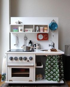 5 really cool DIY play kitchen sets made from recycled furniture! A great idea for a unique, inexpensive holiday gift! Diy Kids Kitchen, Play Kitchen Sets, Play Kitchens, Toy Kitchen, Kitchen Ideas, Kitchen Inspiration, Mini Kitchen, Pantry Ideas, Kidkraft Kitchen