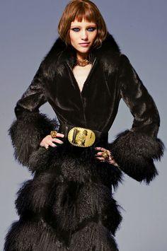 Mila Krasnoiarova - Versace - #lexeecouture  http://lexeecouture.tumblr.com/archive  http://www.pinterest.com/lexeecouture123/pins/