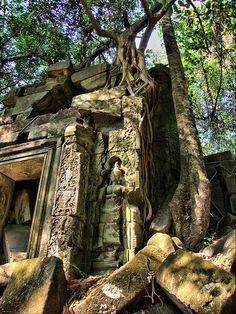 The Lost Aspara at Angkor Wat, Cambodia (by Dr.Fitz!).