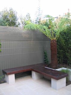 Chic little courtyard | Charlotte Rowe Garden Design
