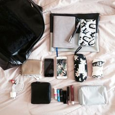 What's in my bag ?  Instagram @izwannaleave