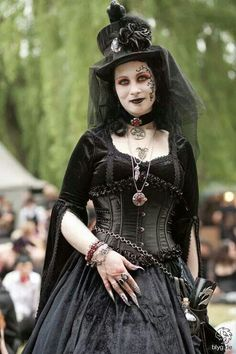 Wave gotik treffen #MedievalGoth Witch #Gothic The Dark Side Fashion ♠️