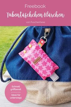 Today we have a freebook for you. Klärchen is a quickly sewn tube bag for disinfectants, cream or handkerchiefs sew einfach clothes crafts for beginners ideas projects room Diy Bags Purses, Diy Purse, Coin Purses, Handmade Books, Handmade Gifts, Handmade Notebook, Handmade Bracelets, Hand Sanitizer Holder, Leather Jewelry
