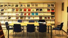 Sección de revistas y Sala de lectura. Instituto de Cerámica y Vidrio (ICV) Madrid