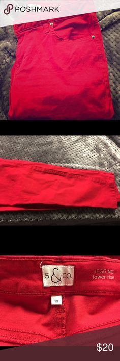 Red jeggings good condition 😊 Jeggings I purchased and only wore two times once for Xmas Eve last year and for 4th of July! Great condition! Super comfy and stretchy. Style up with some pumps or laid back with some Toms Style & Co Jeans Skinny