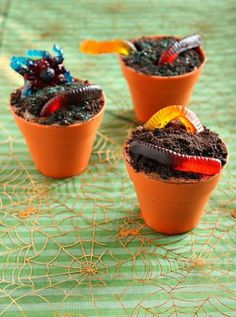 2014 Halloween Creepy Crawly  Worms Cupcakes - Funny Dirt Party Food for Kids  #2014 #Halloween
