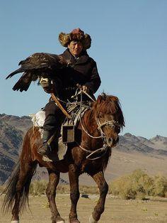 First Hunter Mongolia Mongolia, Cowboy Horse, Draft Horses, Mountain Man, Horse Breeds, People Of The World, Wild Birds, Wild Horses, Beautiful Horses