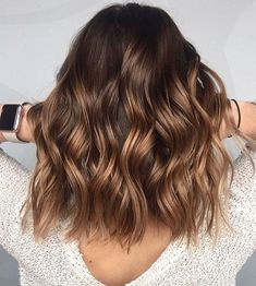 Pretty hairstyle and balayage brown hair #balayage #hairstyle #brownhair