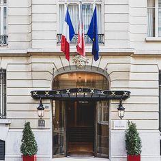 [Facade] ✨ - Discover the charm of a 5-star hotel just a step away from the Champs-Elysées • [Façade] ✨ - Découvrez Le charme d'un hôtel 5 étoiles à deux pas des Champs-Elysées • #enjoymajesticdays #ThePreferredLife  • #hotelmajesticandspaparis #leshotelsbaverez #cityoflights #paris #hotellovers #travel #traveltheworld #parisluxurylifestyle #parisianlife #parisjetaime #visitparis #livethefrenchway #hotellife #traveltheworld The French Way, Hotel Majestic, Spa Paris, Step, Stones Throw, Treatment Rooms, Steam Room, Workout Rooms, Swimming Pools