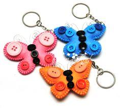 Keychain felt designs for crafts Felt Keychain, Keychains, Felt Fish, Felt Bookmark, Felt Crafts Patterns, Crafts To Sell, Diy And Crafts, Felt Hearts, Felt Ornaments