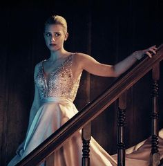 Time to meet the gamemaster. Stream the season finale: Link in bio. Betty Cooper, Riverdale Cast, Prom Night Dress, Prom Dresses, Formal Dresses, Wedding Dresses, Betty & Veronica, Riverdale Fashion, Casamento