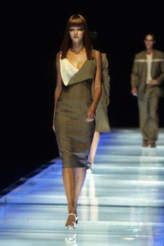 Alexander McQueen Spring 1998 Ready-to-Wear Fashion Show - Carmen Kass