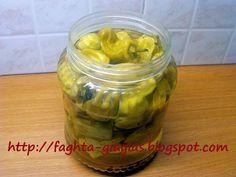 Πιπεριές τουρσί (πίκλες) - Τα φαγητά της γιαγιάς Kitchen Hacks, Preserves, Pickles, Cucumber, Stuffed Peppers, Canning, Desserts, Food, Ideas