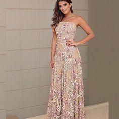 Nova coleção @gabrielifurlanatelier para @manasredentora  Uma joia em forma de vestido! Tule inteiro bordado com flores 3D e a combinação maravilhosa de nude com lilás!