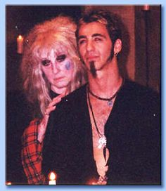 laurie cabot e sully erna Wiccan, Witchcraft, Magick, Witch Pictures, Witch Pics, Sully Erna, Every Witch Way, Grunge, Male Witch