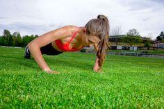 Liegestützen für unser Sport Model aus backnang sind kein Problem. mehr findet Ihr auf unsere Modelagentur Seite