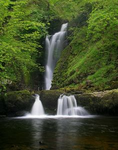 Here Are 28 Beautiful Waterfalls With Beautiful Drop Of Water Can Be Heard On The Far