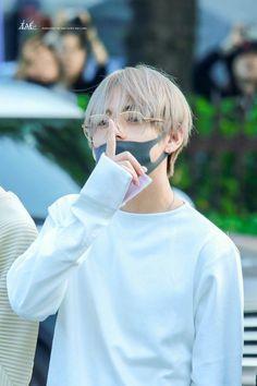 Read ~Vkook from the story ~D-Daddy~ Nsfw BTS by Baby-Girl-Daddy (ɞѧɞʏ-ɢıяʟ) with reads. Bts Taehyung, Jimin, Bts Bangtan Boy, Seokjin, Kim Namjoon, Jung Hoseok, Fan Fiction, Daegu, Foto Bts