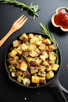 Of all the amazing dishes brunch has to offer, it's hard to rank anything above breakfast potatoes. Crispy. Golden. Salty. Tender. Yum. These breakfast potatoes are all that and a touch more thanks...