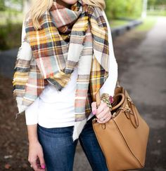 The scarf has long ceased to wear only a practical function. He also became an essential attribute of style and beauty of every fashionista. That is why with the arrival of cold weather you need to take care of your image more carefully and buy Fall Winter Outfits, Autumn Winter Fashion, Mode Outfits, Casual Outfits, Plaid Blanket Scarf, Orange Blanket, Tartan Scarf, Scarf Knit, Style Casual