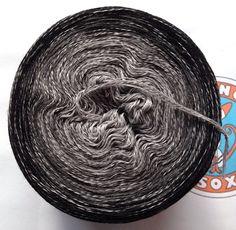 """Wolle - 318g/1050m 100% Merino extraf. """"Nebelkrähe""""  - ein Designerstück von OrangeSox bei DaWanda"""