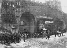 Porta San Lorenzo-1922 Marcia su Roma -posto di blocco San Lorenzo Rome, Old Photos, Grande, In This Moment, Memories, Statue, Antique, History, World