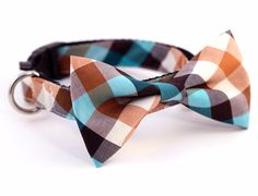 These fancy and functional dog collars with bow ties are handmade in San Francisco by UsagiTeam. With personal attention to detail, the makers craft each bow tie collar with the highest quality fabric
