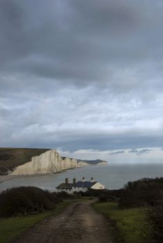 """breathtakingdestinations: """"  Seven Sisters - England (by Malcolm Browne) """""""