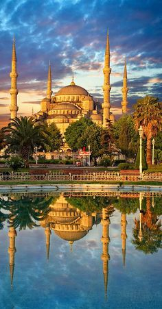 Sunset over the Sultan Ahmed Mosque or Blue Mosque, Istanbul, Turkey.