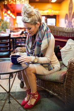 Red sandals   beige dress   scarf