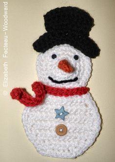 Freddo Snowman Motif Or Ornament By Elizabeth Fecteau-Woodward - Free Crochet Pattern - (nonnaluna. Christmas Applique, Crochet Christmas Ornaments, Christmas Crochet Patterns, Holiday Crochet, Crochet Gifts, Christmas Snowman, Crochet Motif, Crochet Flowers, Free Crochet