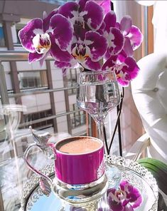 Coffee Cups, Coffee Maker, Chocolate, Good Morning Coffee, Alcoholic Drinks, Dishes, Table Decorations, Glass, Food