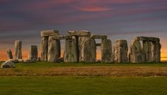 History.com never fails to disappoint. Check out his starting point to exploring an almost infinate amount of Stonehenge facts, figures and pictures.