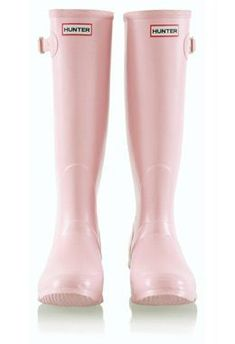 Rain days never looked cute! Check out our Top 10 Best Rain Boots now! Pink Love, Pale Pink, Pretty In Pink, Hot Pink, Purple, Pink Hunter Boots, Hunter Wellies, Pink Rain Boots, Fashion Moda