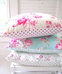 ♡♡ | via Tumblr i'm totally gonna diy these pillows!