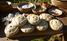 Medieval pies - recipe and how to! Looks yum! Going to try this! :)