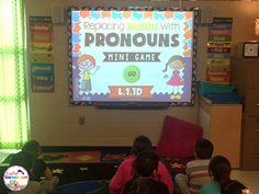 Practice using pronouns with this fun smartboard game. Replace nouns in a sentence with a pronoun. Great for grammar or word work centers. Pronoun Activities, Speech Activities, Activity Games, Smart Board Activities, Good Grammar, Powerpoint Games, Word Work Centers, Parts Of Speech, Mini Games