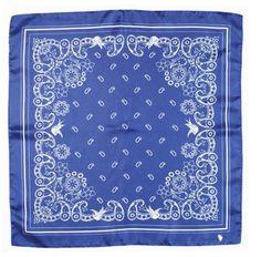 Modrý hedvábný šátek s geometrickým vzorem, A Piece of Chic