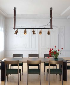 It is consisted of a round BLACK bar that it can be custom made in other lengths too. Gold Matte or Antique Bronze Bar Noir, Bar Pendant Lights, Industrial Style Lighting, Online Lighting Stores, Dining Lighting, Track Lighting, Beautiful Dining Rooms, Gold Chandelier, Dining Room