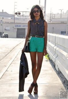 12. #Sleeveless Polka Dots - 42 #Picture Perfect Summer #Street Style #Looks ... → #Streetstyle #Summer