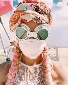 rslobodan people gather for the annual Burning Man arts and music festival in the Black Rock Desert of Nevada. Burning Man Festival is one of the… Burning Man Style, Estilo Burning Man, Burning Man Roupas, Moda Burning Man, Burning Man Mode, Burning Man 2017, Burning Man Girls, Burning Man Art, Burning Man