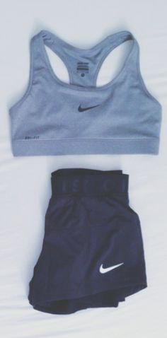 my perfect summer/gym workout kit, loose shorts so that legs don't feel suffocated, sports bra so that you're not weighed down - loose enough to be modest, but little enough that you can feel the heat