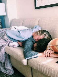 Couple goals, relationship goals, Snuggles Image in Love collection by Chloe on We Heart It Log in Understanding Love's True Nature Cute Couples Photos, Cute Couple Pictures, Cute Couples Goals, Couple Photos, Couple Goals Teenagers Pictures, Teen Couples, Image Couple, Photo Couple, Couple Goals Relationships