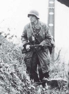 German Uniforms, Military Uniforms, German Soldiers Ww2, Akashic Records, Luftwaffe, World War Ii, Troops, Wwii, Germany Ww2