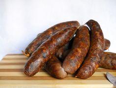 Carnati de casa, cum numai la noi se prepara ! Sausage, Smoking Meat, Preserving Food, Preserves, Homemade, Fish, Drink, Canning, Recipes