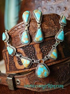 TURQUOISE CABOCHON NECKLACE AND EARRING SET - Cowgirl Kim