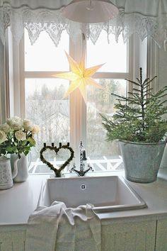 Küchenfenster mit Traumhafter Gardine
