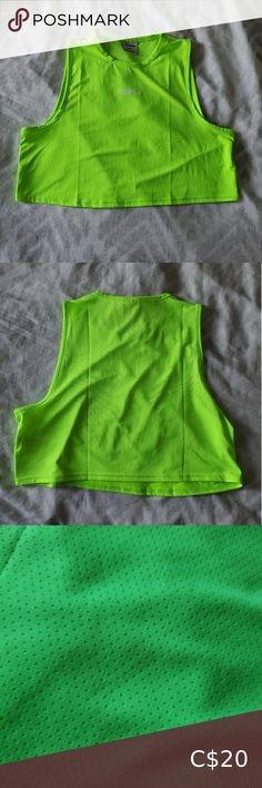Gymshark crop tank size M 💚excellent condition 💚breathable mesh back 💚gymshark branding on chest Gymshark Tops Crop Tops Blue C, Pink Grey, Ballet Wrap Top, Plus Fashion, Fashion Tips, Fashion Trends, Gym Wear, Sports Shirts, Crop Tank