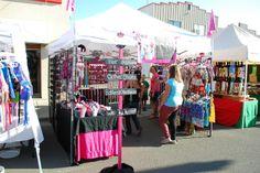 Craft Show Booth Display Ideas Vendor Displays, Craft Booth Displays, Vendor Booth, Display Ideas, Craft Show Booths, Craft Show Ideas, Craft Stalls, Vendor Events, Craft Markets